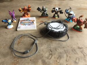 Skylanders game portal and figures – For Wii System