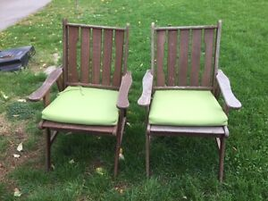 4 outdoor chairs and Cushions
