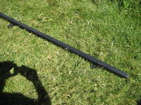 sportrack frontier load bar with mounting brackets. Length 132 c