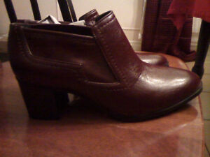 New - leather Franco sarto shoes, size 6