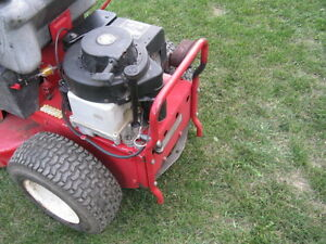 Snapper Rear Engine Rider, 8 Hp, 28 Inches Deck, Kawartha Lakes Peterborough Area image 9