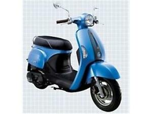 2013 KYMCO New Sento 50i or 110i small frame scooter