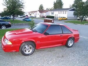 1987 Ford Mustang T-Top Coupé (2 portes)