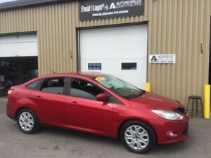 2012 Ford Focus SE automatique, bas kilo, carproof clean