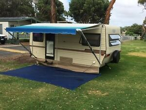 Triple Bunk 1982 Roma caravan Goolwa Alexandrina Area Preview