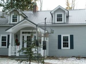 NEED TO FIX THAT ROOF BEFORE THE HOLIDAYS? CALL US 24/7