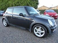 Mini 1.6 Cooper ....Fabulous Driving Mini Cooper, in Beautiful Black, Half Leather, Long MOT