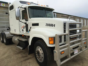 2008 485 HP  18 Speed Mack Truck