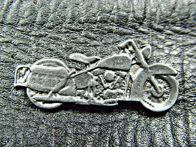 Classic Vintage harley Davidson Motorcycle Pewter Biker Jacket Pin 1161