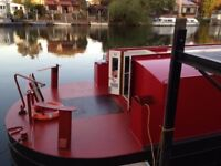Widebeam with London mooring houseboat liveaboard barge