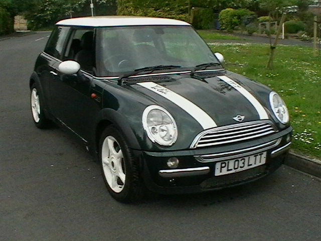 03 Reg Mini Cooper 1 6 3 Door Hatchback In British Racing