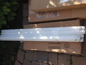 Sylvania Cool White 8 lights, 60 watt never used!! West Island Greater Montréal image 2