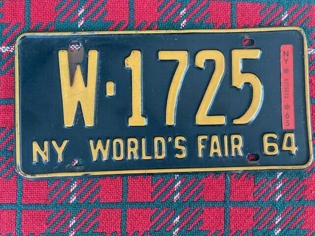 Vintage NY WORLDS FAIR 1964 -65 NY State LICENSE PLATE W- 1725