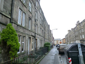 Bright well presented 1 bed maindoor flat in Dalry.