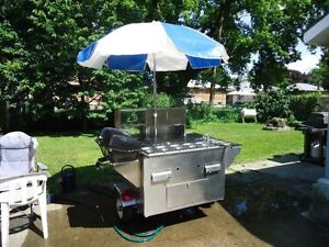 """Willydogs """"HUMMER"""" Hot Dog Cart Used Once."""
