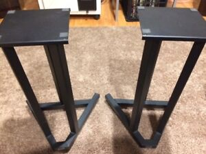 Paradigm Titan V.3 speakers, with steel stands, 9.5/10