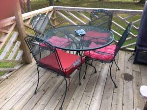 Patio Dining Set - Table & four Chairs