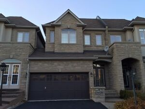 Stunning Exec. Townhouse in Joshua Creek, Oakville for Rent