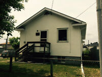 3 Bdrm Home Near Boulevard Lake - available July 15