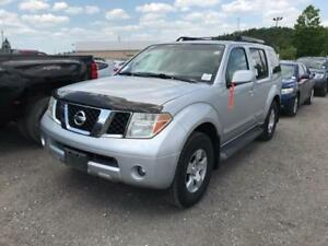 2005 Nissan Pathfinder XE 4X4 7 PASSENGER  DVD PLAYER