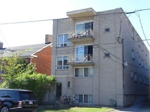 LARGE 2 BDRM DOWNTOWN NEAR THE HUB & QUEEN'S - 332-5 University