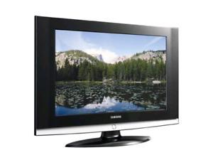 SAMSUNG  HDTV  WALL MOUNT TV.(26 in)