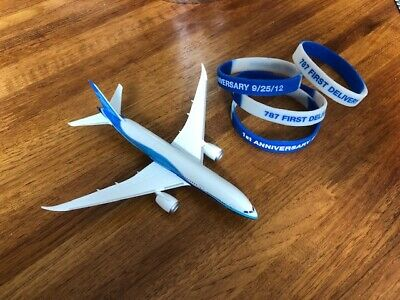 Boeing 787-8 Small Mini Model w/1st annv delivery wristbands