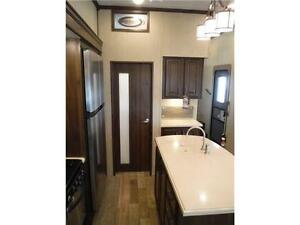 2017 Compass 377MB Luxury 2 bedroom 5th wheel - 4 slideouts Stratford Kitchener Area image 13