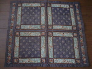 VINTAGE HANDCRAFTED BABY / LAP  QUILT ... VERY GOOD CONDITION!