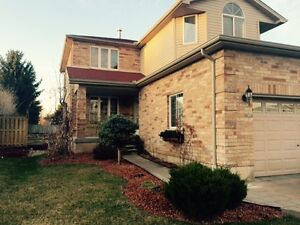 STRATHROY Stunning 4 Bdrm*HUGE Yard* Garage * Finished Bsmt