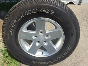 255/75R17 Goodyear Wrangler on Factory Jeep Rims (5)
