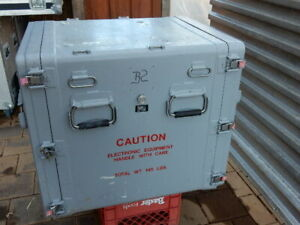 Air/water tight shipping / storage container / toolbox