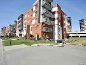 condo 4 1/2 a loué /for rent