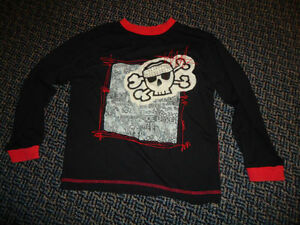 Boys Size 7/8 Long Sleeve T-Shirt Kingston Kingston Area image 1