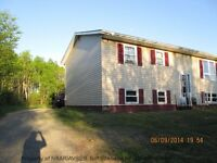 3 bedroom Country home, large lot