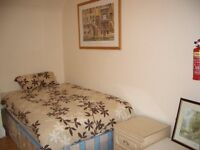 PRICE REDUCTION *** CLEAN AND TIDY BEDSIT IN BAKER STREET