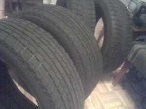 4 pneus d'hiver grandeur 16 on servi 2 saisons