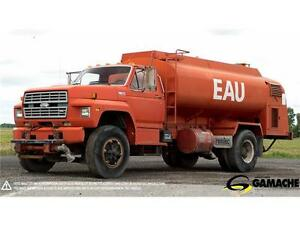 CAMION FORD F700 1986 CITERNE À VENDRE / TANK TRUCK FOR SALE