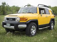 2007 Toyota FJ Cruiser 4WD SUV Crossover. Best offer on Kijiji!