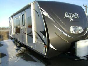 2014 Apex hardwall 28 foot trailer slide out  double bunks