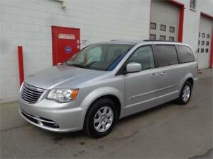 2012 Chrysler Town & Country ~ 125,000kms ~ Leather ~ $14,900