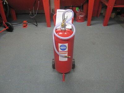 New Soda Blasting Pot. 7 Gallon Blast Pot for Soda Blasting.