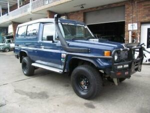 1996 Toyota Landcruiser HZJ75RV (4x4) 11 Seat Blue 5 Speed Manual 4x4 TroopCarrier Roselands Canterbury Area Preview