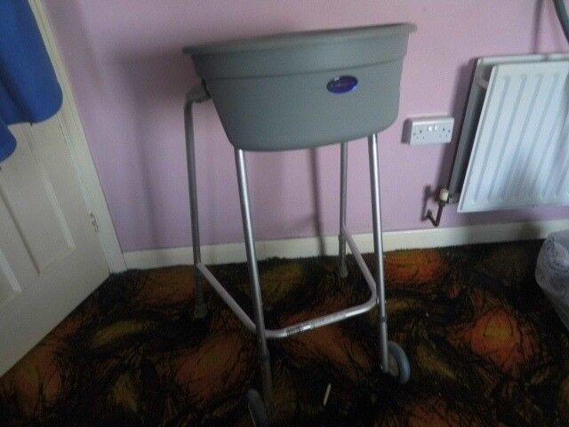 WALKING ZIMMER FRAME WITH TRAY AND STORAGE AREA | in Towcester ...
