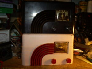 RADIO À LAMPES NORTHERN ELECTRIC MOD 5500 . 1951
