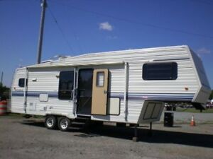 Dutchman Royal 30' Fifth Wheel with 14' slide