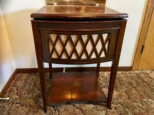 Antique Cabinet Radio & Record Player Unit