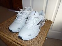 mens reebok white leather trainers size 9
