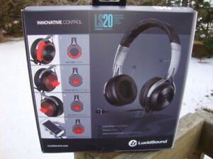 """Brand New """"Gaming Headphones"""" for X-Box, Playstation 4, PC"""