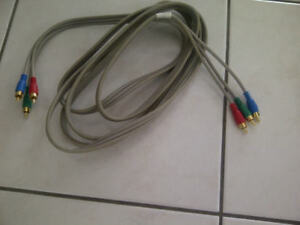 CABLE RGB AVEC CONNECTEURS PLAQUÉS OR, 10 PIEDS DE LONG, ÉTAT NE